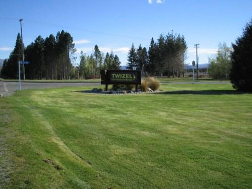 Twizel sign, driving north